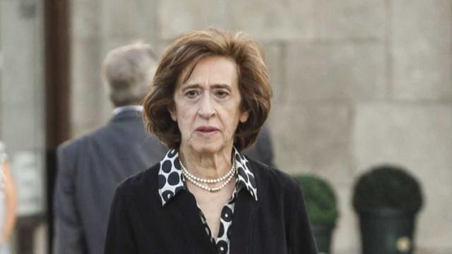 """Ferreira Leite prefere """"pior resultado"""" do PSD que """"rótulo de direita"""""""