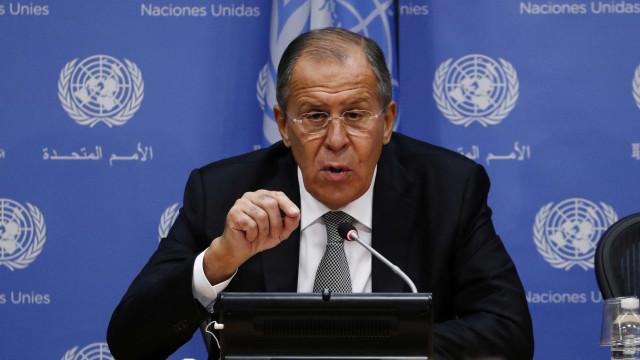 Lavrov condena lançamentos de misseis e testes nucleares de Pyongyang