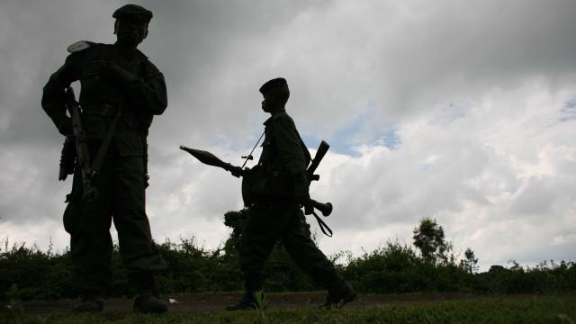 Rebeldes matam 13 civis e sequestram 12 crianças no leste do Congo