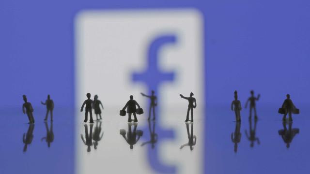 """""""Facebook deve ser regulado como indústria do tabaco"""""""