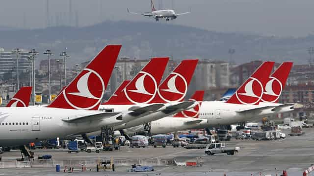 Turkish Airlines cancela 220 voos devido a mau tempo em Istambul