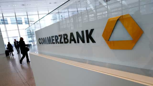 Banco Commerzbank passa de lucro para perdas de 406 milhões até junho