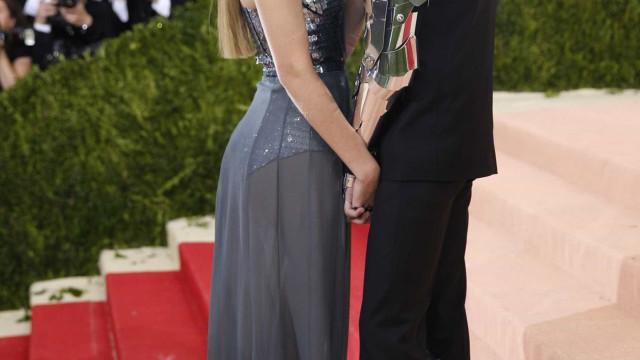 """Gigi Hadid e Zayn Malik """"estão muito felizes juntos"""""""