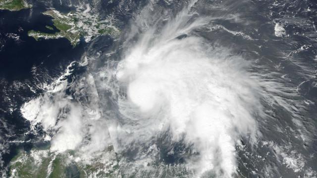 Furacão Willa alcança categoria 5 e avança para a costa mexicana