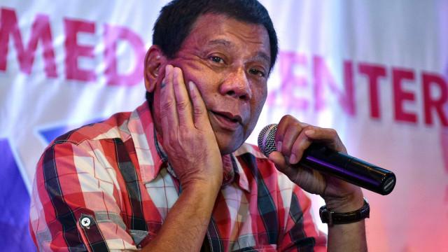 """Duterte chamou """"p****"""" a mulheres em evento pela igualdade de género"""