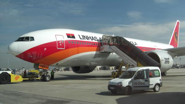 TAAG explica subida de preços de voos internacionais com câmbio flutuante