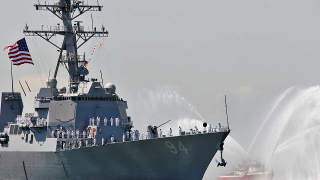 Navio dos EUA fez disparos de aviso contra embarcação iraniana no Golfo