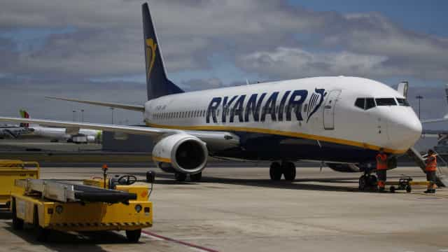 Se encontrar preço mais baixo, Ryanair devolve a diferença e mais 5 euros