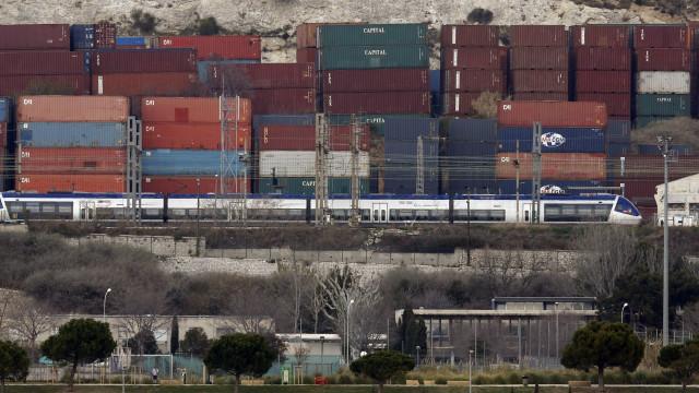 Tráfego de mercadorias em portos espanhóis sobe 3,4% no 1.º semestre