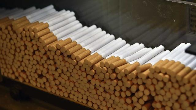 Apanhados em flagrante a contrabandear tabaco no aeroporto de Lisboa