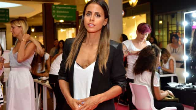 Grávida pela terceira vez, Carolina Patrocínio mostra a 'barriguinha'