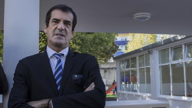 Moreira diz que pilaretes protegem peões e evitam estacionamento abusivo