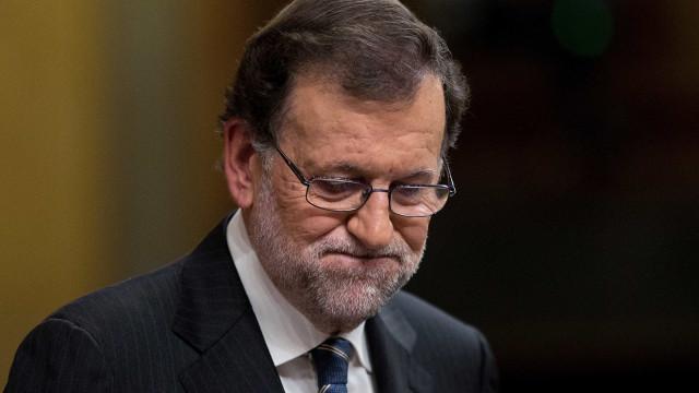 """Rajoy defende união """"na dor e na resposta"""" contra ameaça terrorista"""