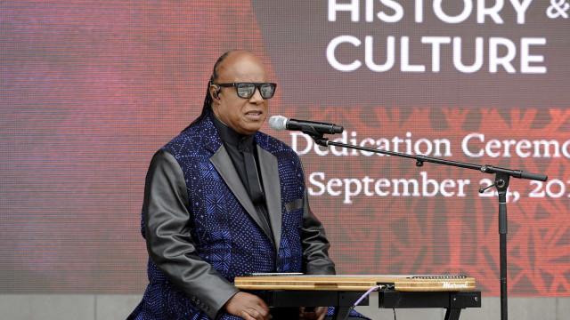 "Stevie Wonder elogia Aretha Franklin: ""Cantora incrível"""