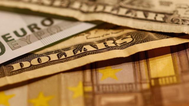 Euro cai face ao dólar com possível aumento dos juros pela Fed