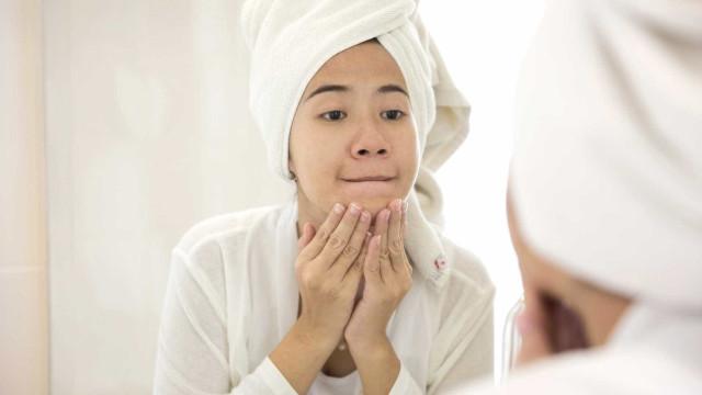 Dez coisas que nunca deve fazer à sua pele, segundo dermatologistas