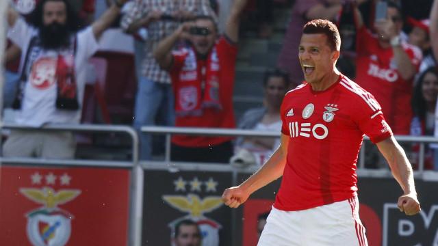 """Regresso de Lima ao Benfica """"não tem fundamento"""""""