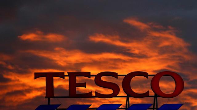 Carrefour e Tesco formalizam acordo estratégico