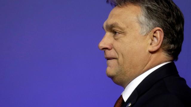 Europa pede à Hungria acesso de ONG a centros de trânsito para refugiados