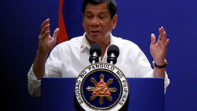 Presidente das Filipinas confessa que não gosta de nomear mulheres