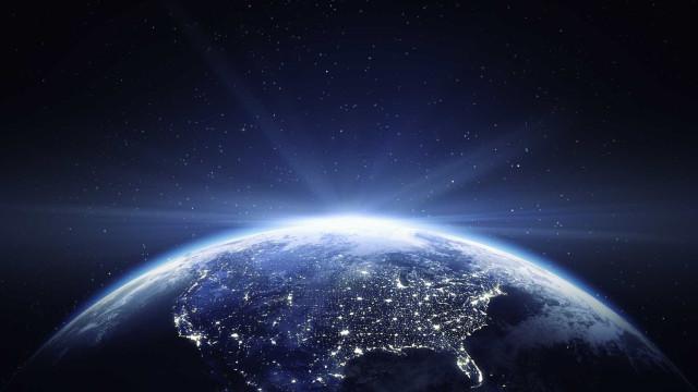 Raios cósmicos que 'bombardeiam' a Terra vêm de fora da Via Láctea