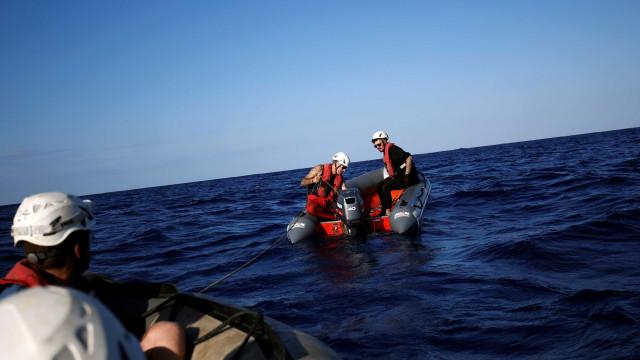 Mais de 200 pessoas resgatadas em Gibraltar e do mar de Alborão