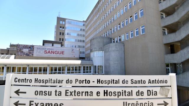 Suspeita de sarampo leva a internamento de funcionário do Santo António