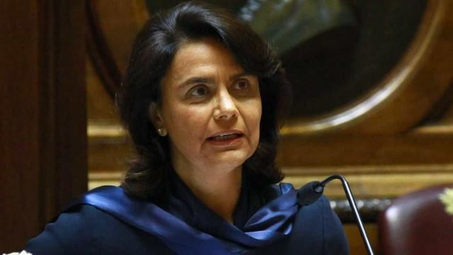 """Pedrógão: """"Ministros só vão ao terreno inaugurar obras de fachada"""""""