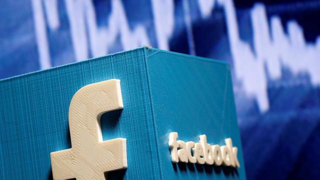 Facebook negoceia multa que pode atingir os dois mil milhões de dólares
