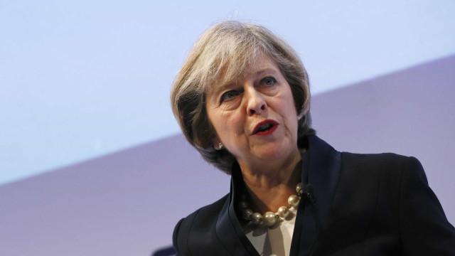 """May pede à UE que aceite visão """"ambiciosa, mas prática"""" nas negociações"""