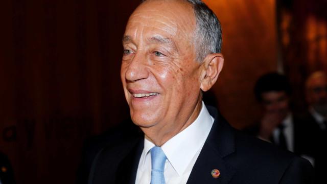 """""""Passo a vida a colar tudo"""", diz Marcelo Rebelo de Sousa"""