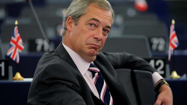 Nigel Farage arrisca suspensão temporária no Parlamento Europeu