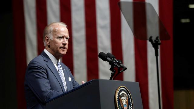 """""""Trump está a destruir valores americanos"""", atira Joe Biden"""