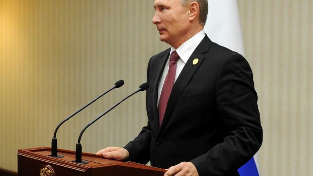 "Vladimir Putin deu ordens para que indústria das armas esteja ""preparada"""
