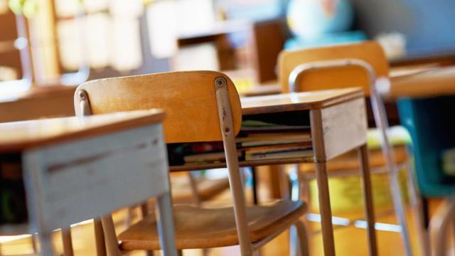 Taxa de abandono escolar em Portugal recua mas está longe da meta de 2020