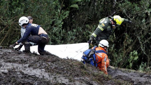 Avião da Chapecoense caiu por falta de combustível, diz relatório final
