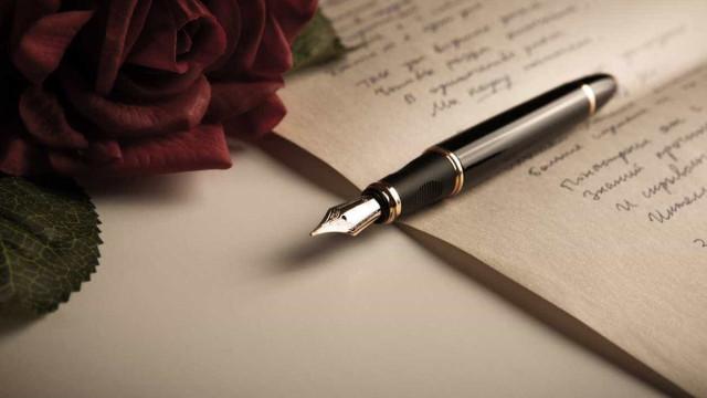 Poesia sobe ao palco do Teatro da Rainha uma vez por mês até dezembro
