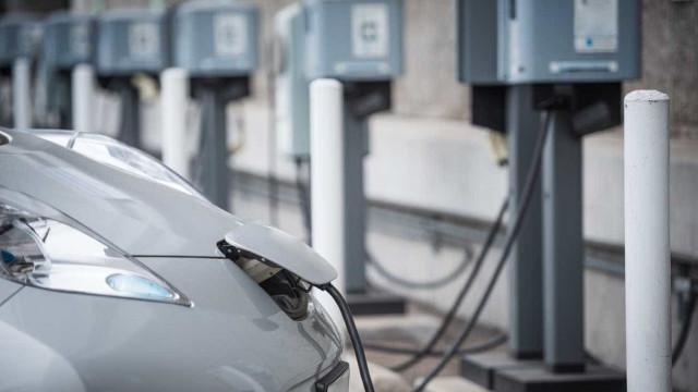 Alemanha vai construir maior estação de carregamento de carros do mundo