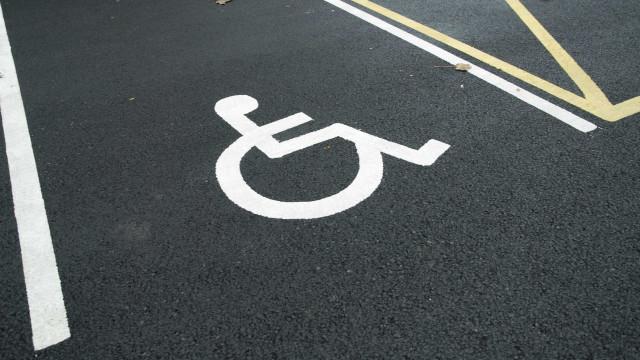 Novo cartão de estacionamento para deficientes entra em vigor amanhã