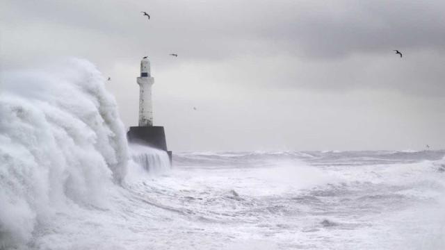 Mau tempo não arreda pé: Prevê-se chuva, mar agitado e até neve