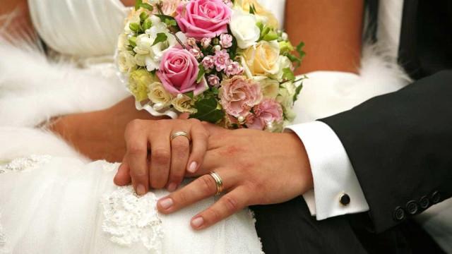 A verdade por detrás das lindas fotografias de casamento