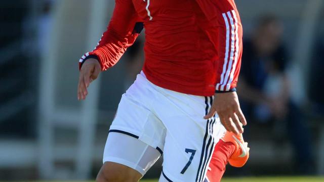Millonarios confirma transferência de Arango para o Benfica