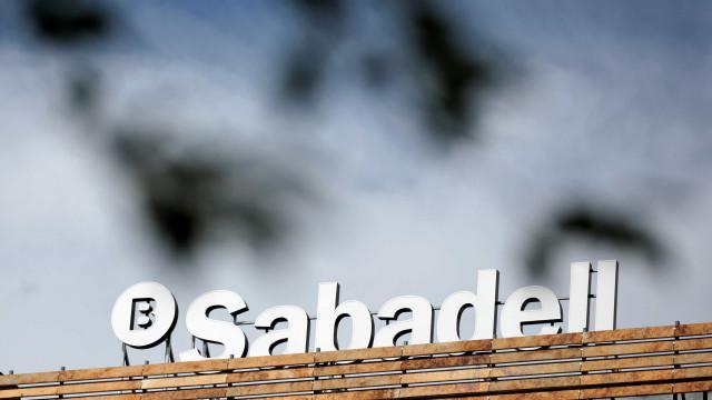 Banco catalão muda sede para Alicante perante risco de independência