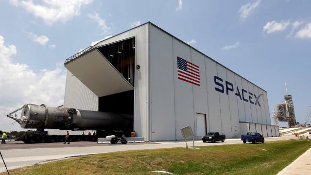 SpaceX obrigada a adiar lançamento