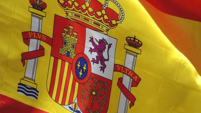 Desemprego em Espanha aumenta mas mantém-se o mais reduzido da década