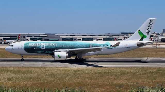 Dois voos da Azores Airlines divergiram hoje de manhã