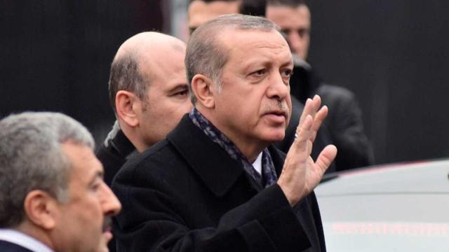 """Erdogan determinado a """"desembaraçar-se"""" das milícias curdas"""
