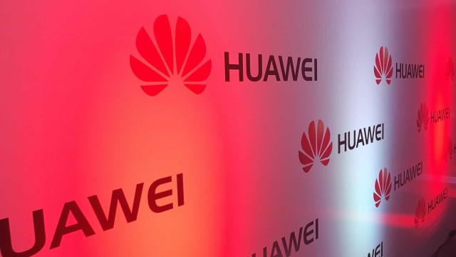 Huawei nega recolha ilegal de dados dos clientes