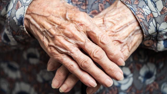 Mulher mais velha do mundo fez anos, mas diz que preferia já ter morrido