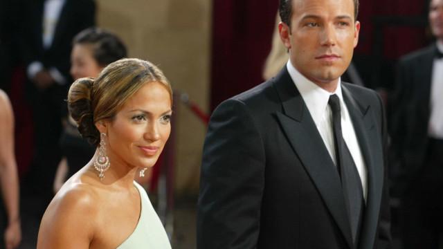 """J.Lo sobre namoro com Affleck: """"A relação destruiu-se diante do mundo"""""""